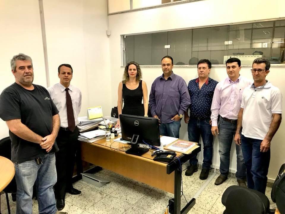 Vereadores e assessoria jurídica se reuniu com a promotora Giseli,  na última quarta-feira dia 02/05/18, Para discutir sobre a falta de água no município de Capitólio.
